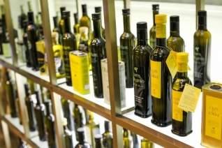 El oro líquido de Andalucía: dónde comprar aceite de oliva en Málaga
