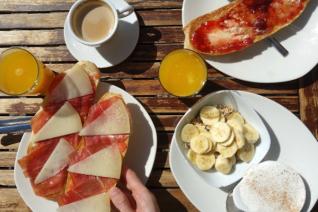 ¡Levántate y brilla! 5 de los mejores desayunos de granada.