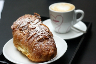 ¡Levántate y brilla! 5 grandes lugares para desayunar en Santiago