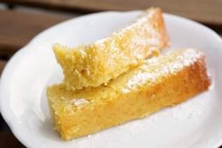 Tarta Española De Aceite De Oliva Con Limón Y Almendras