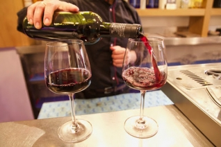 Dónde beber vino en Sevilla: 6 excelentes bares y bodegas