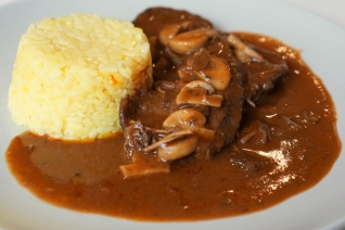Fricandó Recipe – Slow Cooked Beef Stew with Mushrooms
