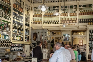 Explorando los bares de tapas tradicionales de Málaga