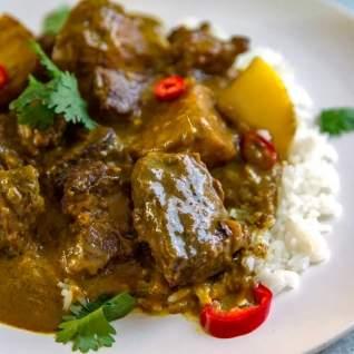 Guiso de carne de coco al curry