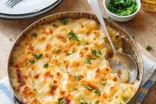 Fácil hecho en casa al horno Mac y queso