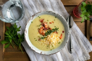 Crema de olla de cocción lenta de sopa de patata