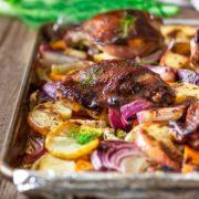 Pollo y vegetales asados ??a las cinco especias