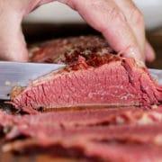 rebanado de carne de vaca en conserva hecha en casa