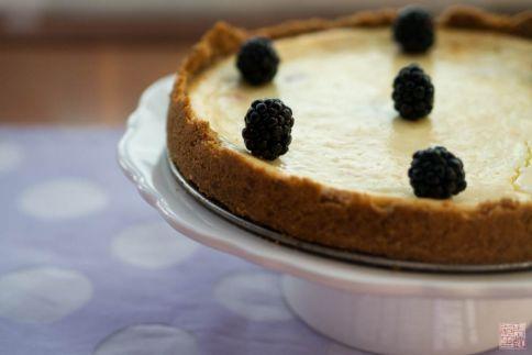 olallieberry Pastel de queso en dessertfirstgirl.com