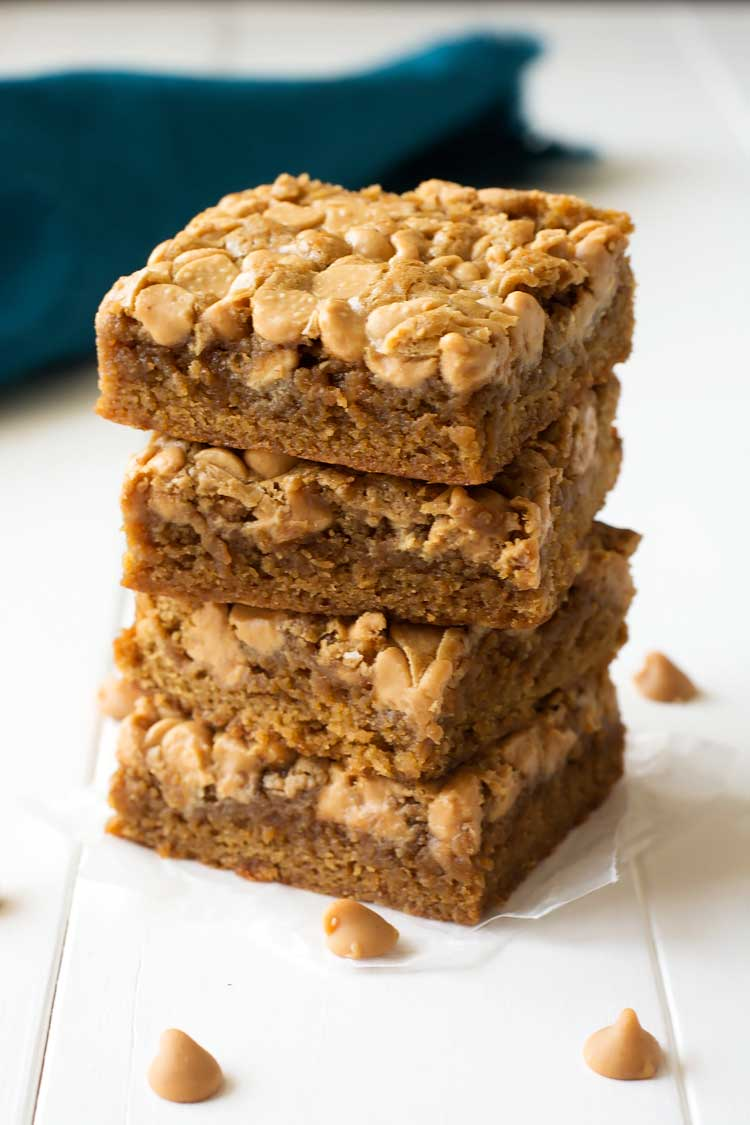 Soft and chewy Peanut Butter Chip Blondies - the peanut butter/caramelized brown sugar combination is irresistible!