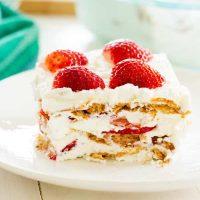 Tarta de helado de tarta de fresas