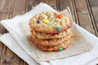 una rebanada de pastel de muffin de arándanos