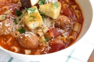 Sopa De Espaguetis Y Albóndigas
