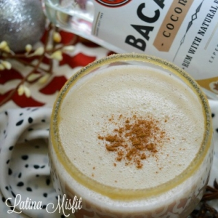 Cómo hacer un coquito clásico cremoso (bebida de ron de coco)