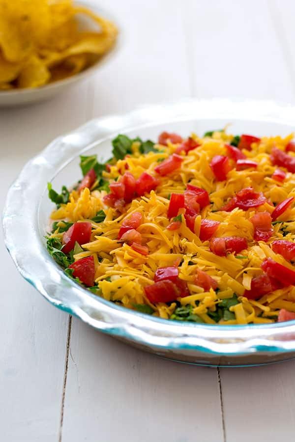 Fiesta Bean Dip (salsa de taco en capas)