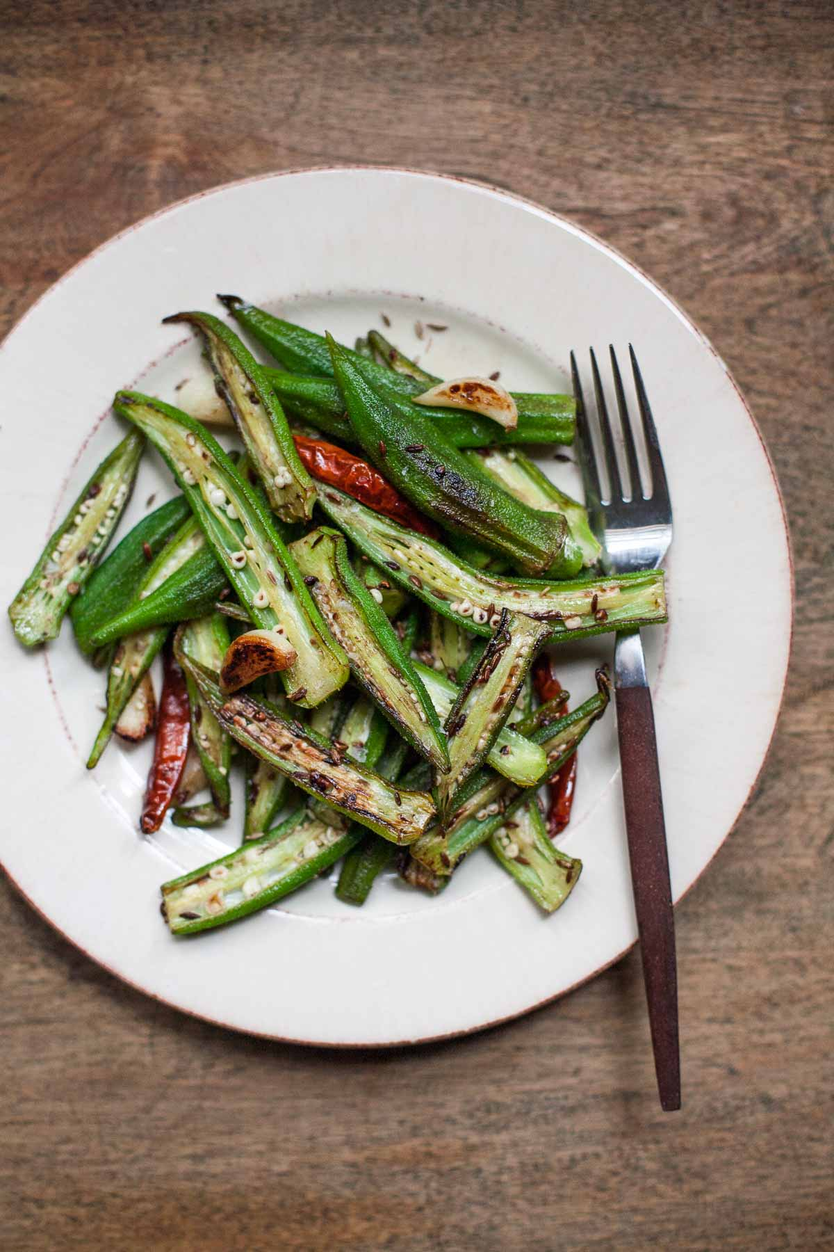 Okra Blistered Con Ajo Y Comino # 30MinuteMondays