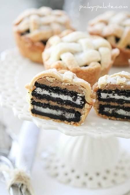Oreo y mantequilla de maní en capas bebé enrejado pasteles
