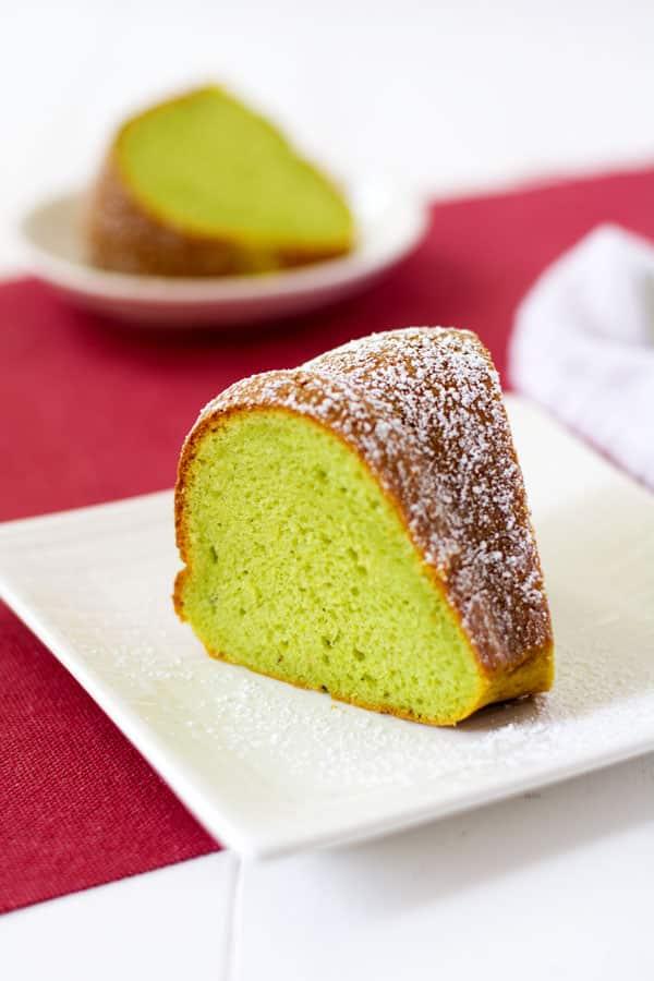 Pastel de Pistacho Bundt | Cocina Gidget