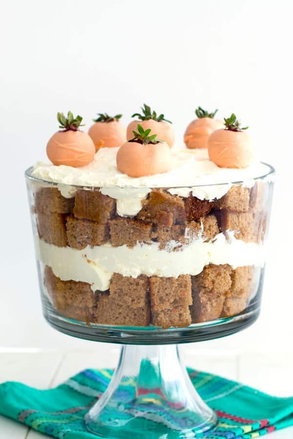 Pastel de zanahoria Trifle (receta de postre de Pascua fácil!)