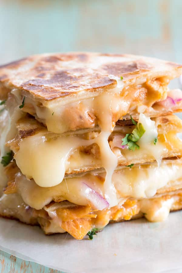 BBQ Chicken Quesadilla like my favorite barbecue chicken pizza with lots of cheese!