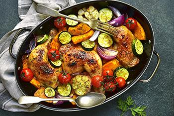 🏅▷ Cuartos traseros de pollo asado con ajo, calabaza y ...