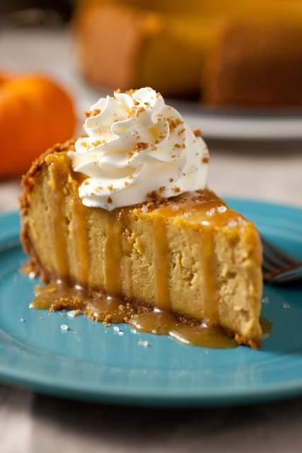 pumpkin+cheesecake+with+salted+caramel+sauce1