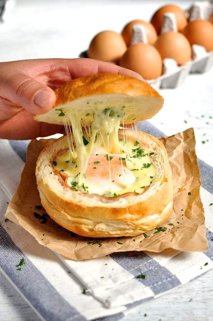 No-Washing-Up-Ham-Egg-Cheese-Bread-Bowls