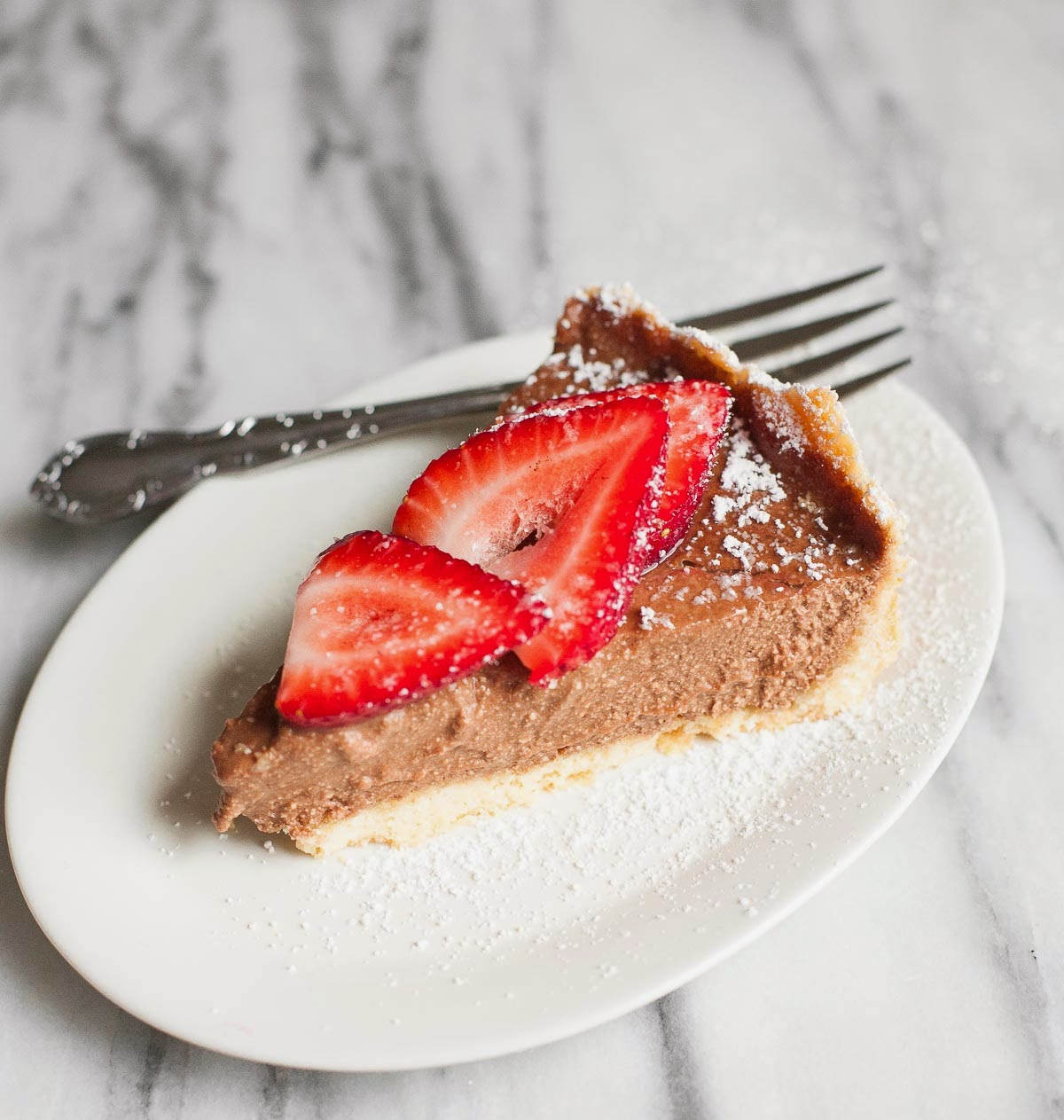 Tarta De Ricotta Mocha Con Fresas (Sin Gluten, Sin Granos) | acalculatedwhisk.com
