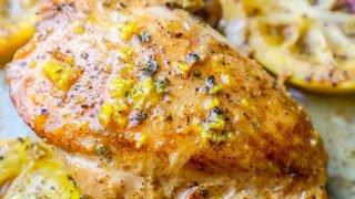 Receta fácil de muslos de pollo con mantequilla de ajo y limón