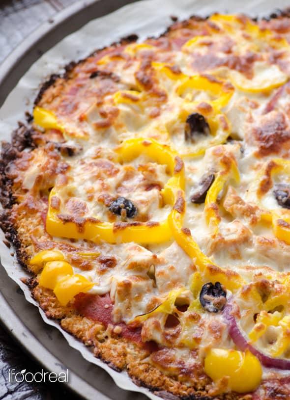 corteza de pizza de coliflor crujiente