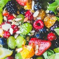 Receta de ensalada de frutas de espinaca y semillas de amapola