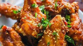 Alitas de pollo al horno crujientes dulces y picantes