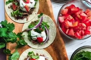 Tacos de carne de res picada mexicana de cocina lenta