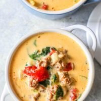 Receta cremosa de sopa toscana keto