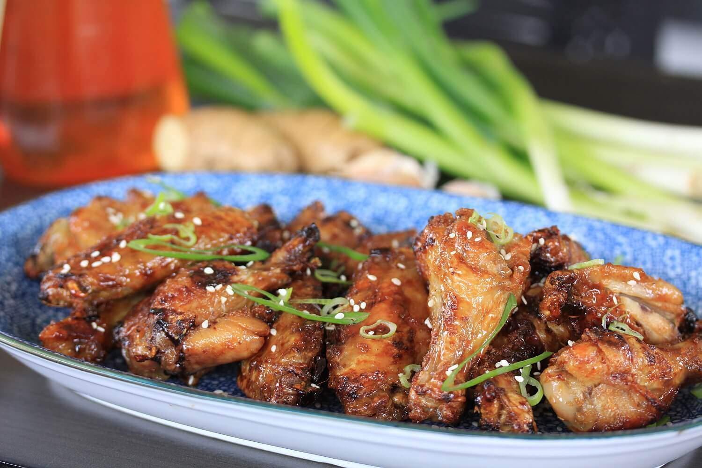 Alitas de pollo crujientes con miel y soja