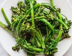Broccolini de 10 minutos
