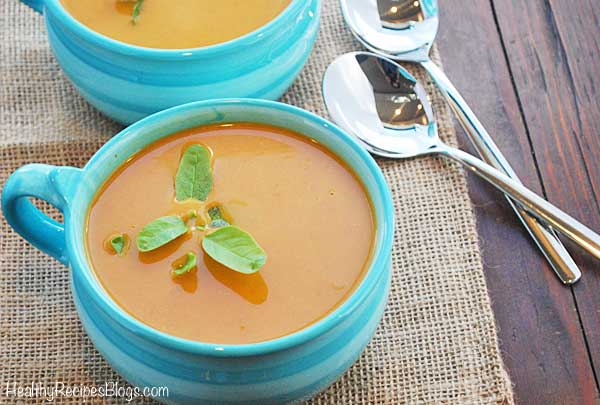 Easy pumpkin soup with canned pumpkin