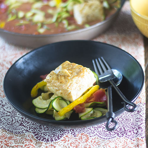 Halibut escalfado al curry rojo tailandés