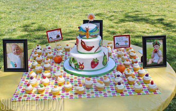 Pastel de oruga muy hambriento   SugarHero.com