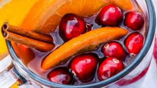 Receta tradicional francesa de Vin Chaud (vino caliente)