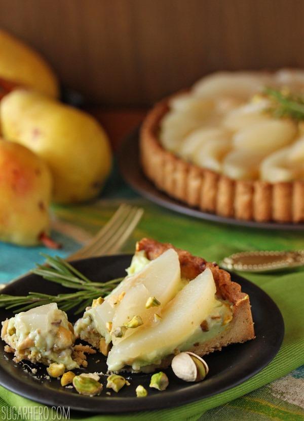 Tarta de pera y pistacho | SugarHero.com