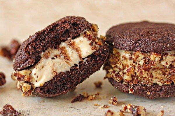 Sandwiches de helado de chocolate picante   SugarHero.com