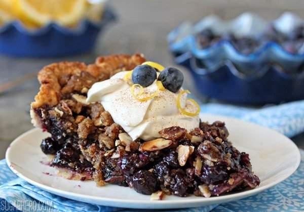 Blueberry Crumble Pie | De SugarHero.com