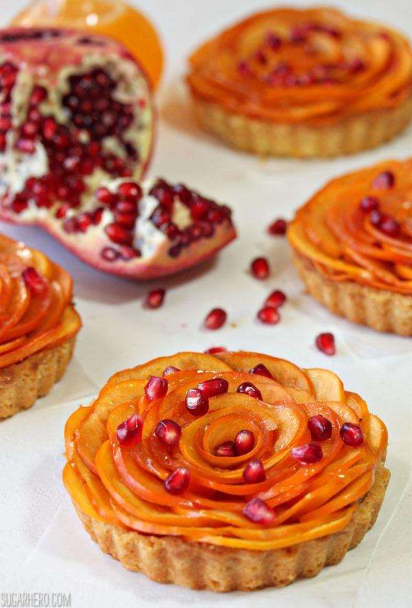 Tartas de rosetón de almendras y caqui | De SugarHero.com