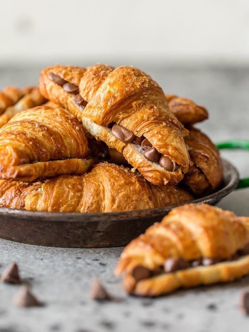 Croissants de chocolate de hoja de pan | El novato de las galletas