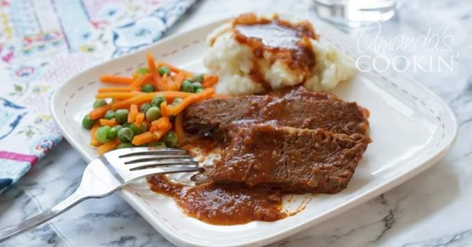 Carne de res y salsa