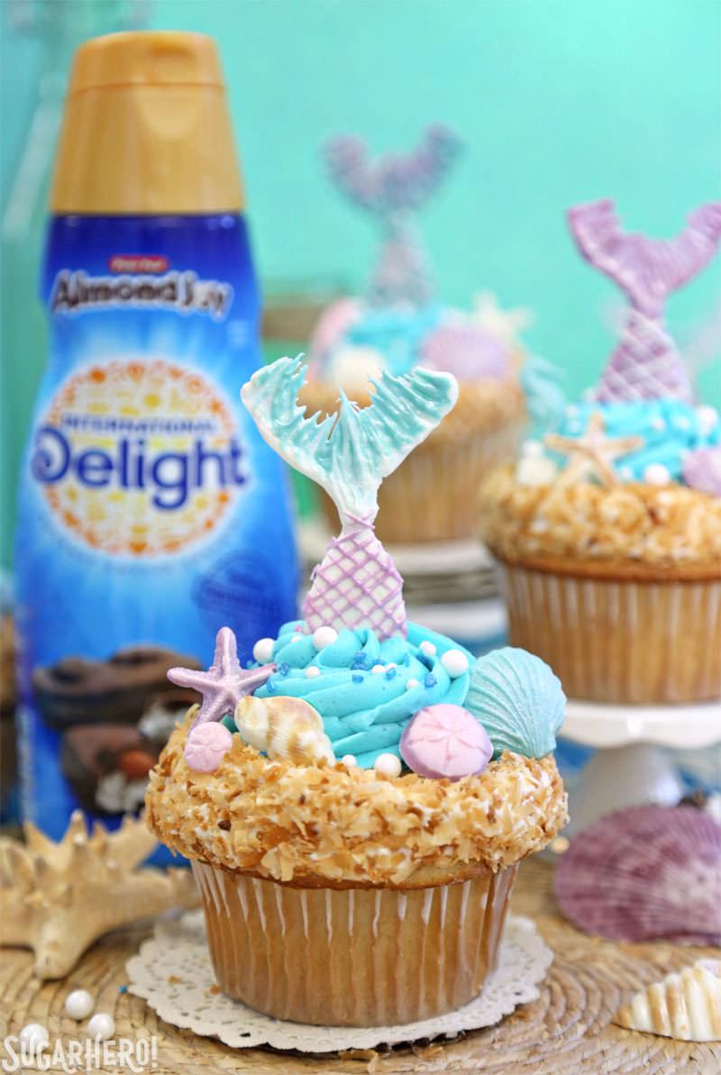 Cupcakes de sirena: ¡magníficos cupcakes bajo el mar con colas de sirena comestibles y conchas de chocolate! El | De SugarHero.com