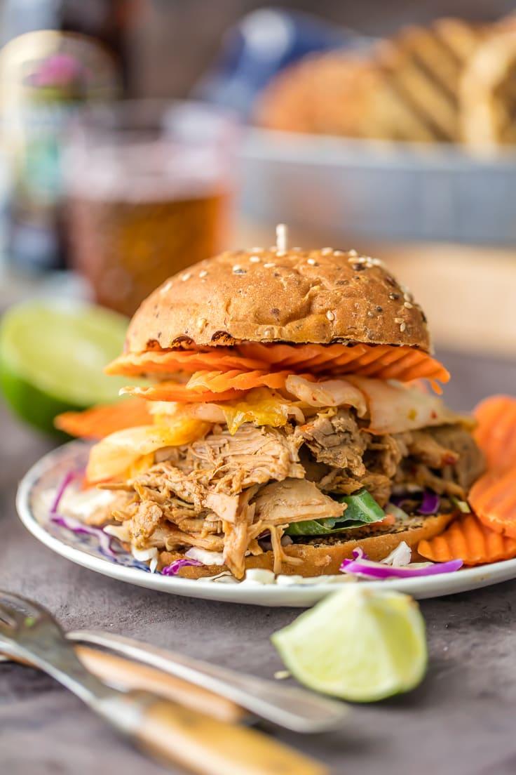 jengibre de cerdo en un sándwich