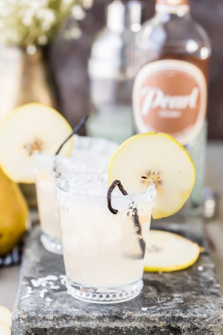 cócteles de pera, vainilla y coco