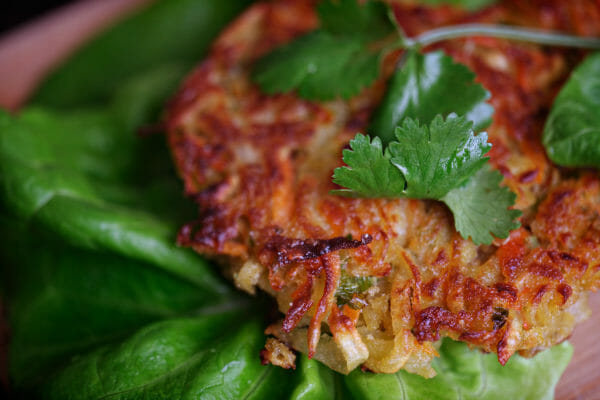 Wraps de lechuga asiática con batatas